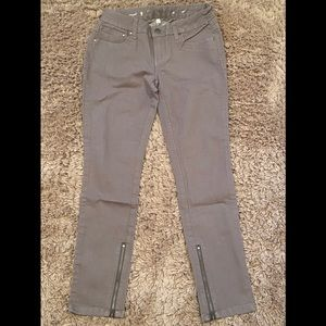 NWOT Jennifer Lopez grey straight cropped jeans 2S